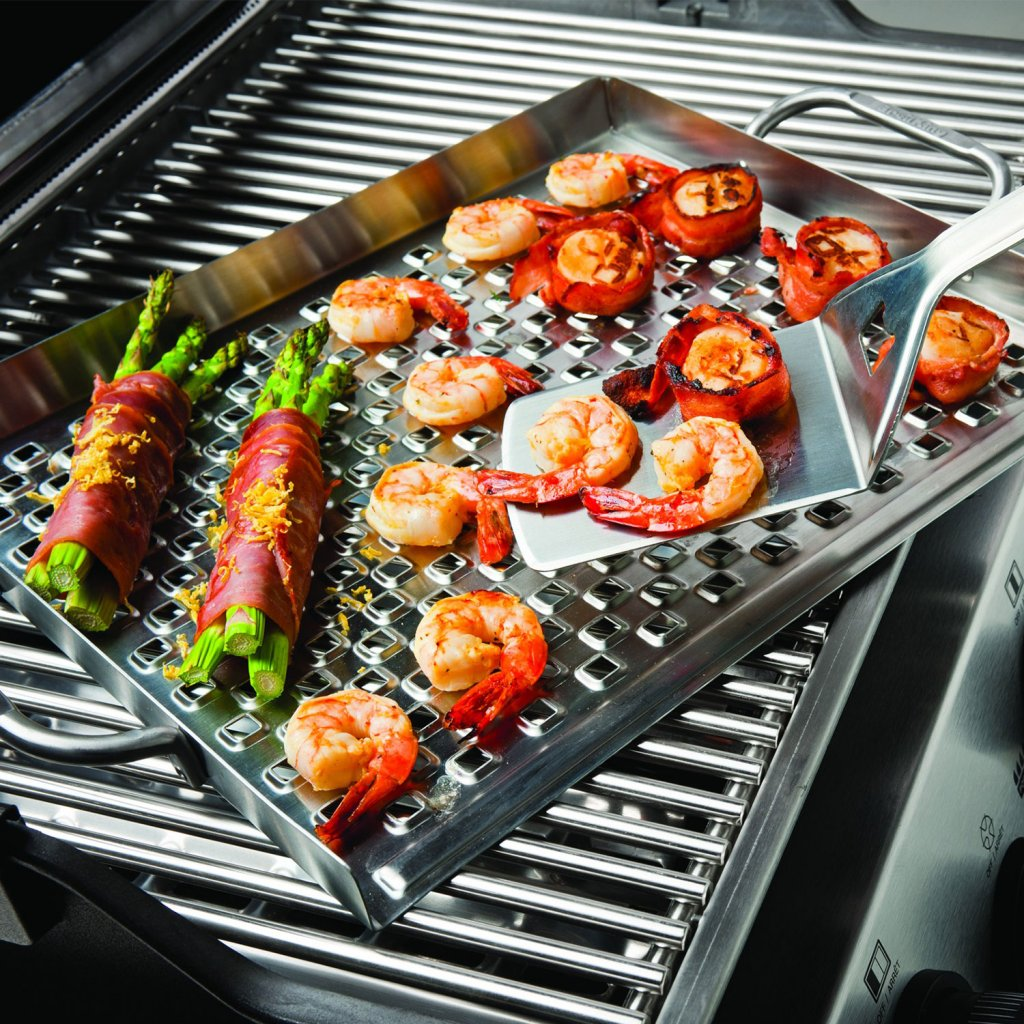 Grilling topper a grilling accessory