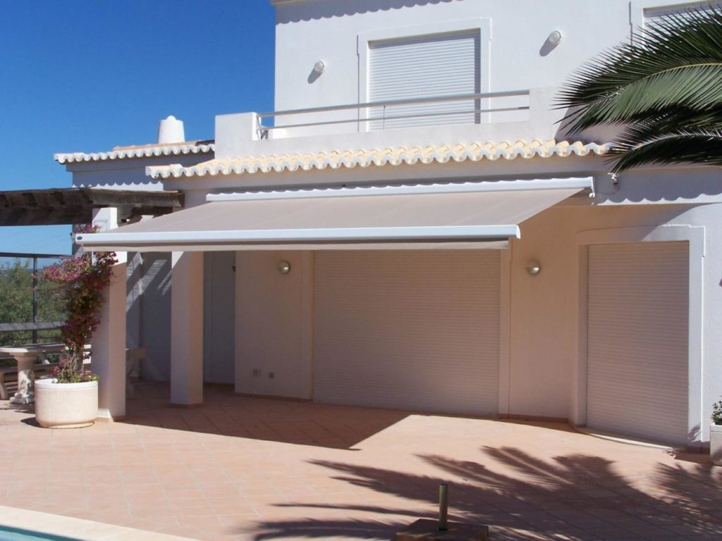 Awnings installation in the Algarve