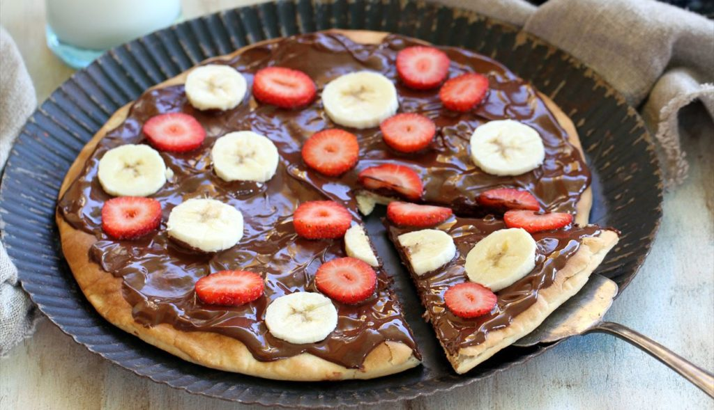 Sweet pizza as a dessert you can cook on the grill at home