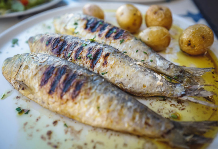 How to grill fish and how to grill sardines in Portugal