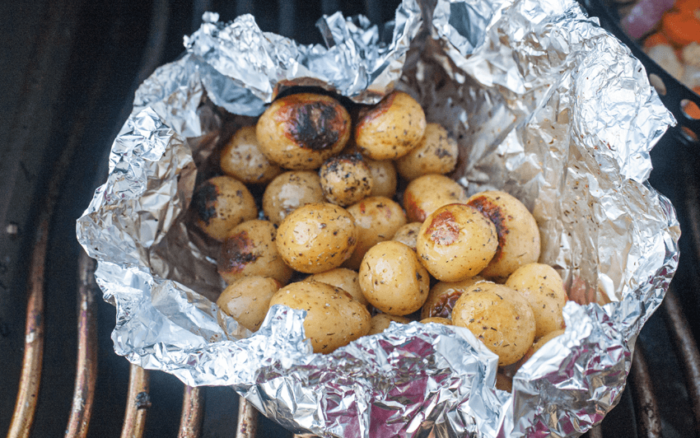 How to grill potatoes on the barbecue